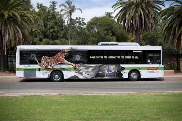 国外创意户外广告公交车老虎