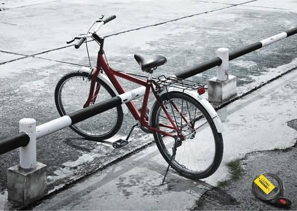 国外自行车锁创意平面广告作品