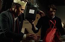 英国顶级皮具品牌Mulberry不拍美美的广告..拍了一支..