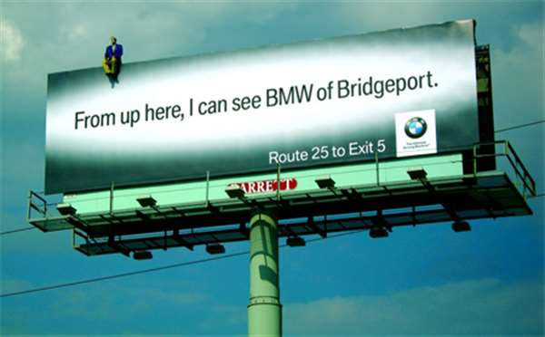 BMW广告(p.s:广告上面那个人是纸板来滴)