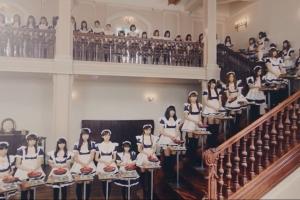 大脑洞炫酷广告短片《100个女仆来煎饼》