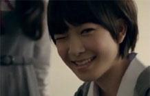 日本资生堂广告,女高中生的秘密-来自日本资生堂最近推出的广告,一开始是一群可爱的女高中生,可是画风一转...竟然都是一些男子汉,用这样的方式来告诉女生,即使是男孩子用我们的化妆品,一样可以变可爱,所以作为女