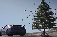 圣诞节不就是要上装饰圣诞树么?尼桑GTR偏不